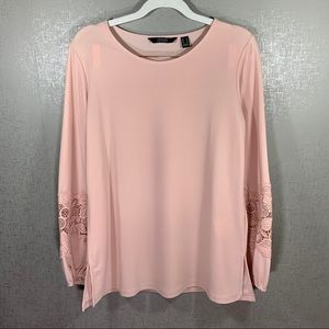 Light Pink Long Sleeve Blouse w. Lace Detail Small